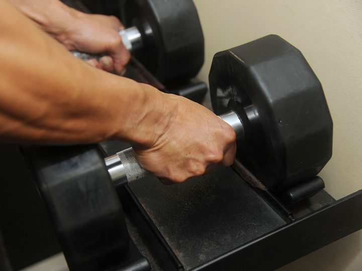 Dumbell Workouts – A Smart Way to Exercise
